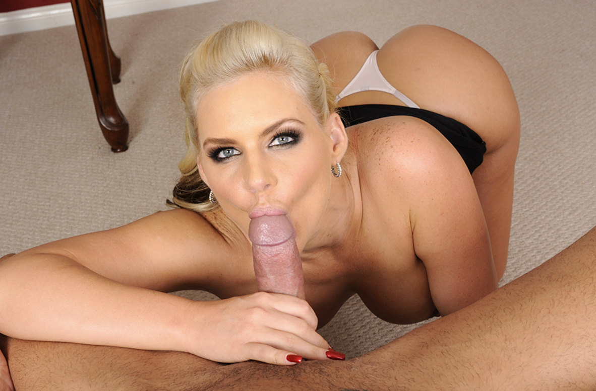Watch Phoenix Marie and Marco Banderas video in Housewife 1 on 1