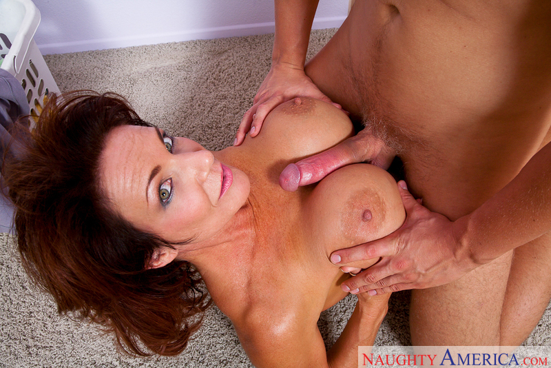 MILF Deauxma fucking in the hallway with her big tits - Sex Position 3