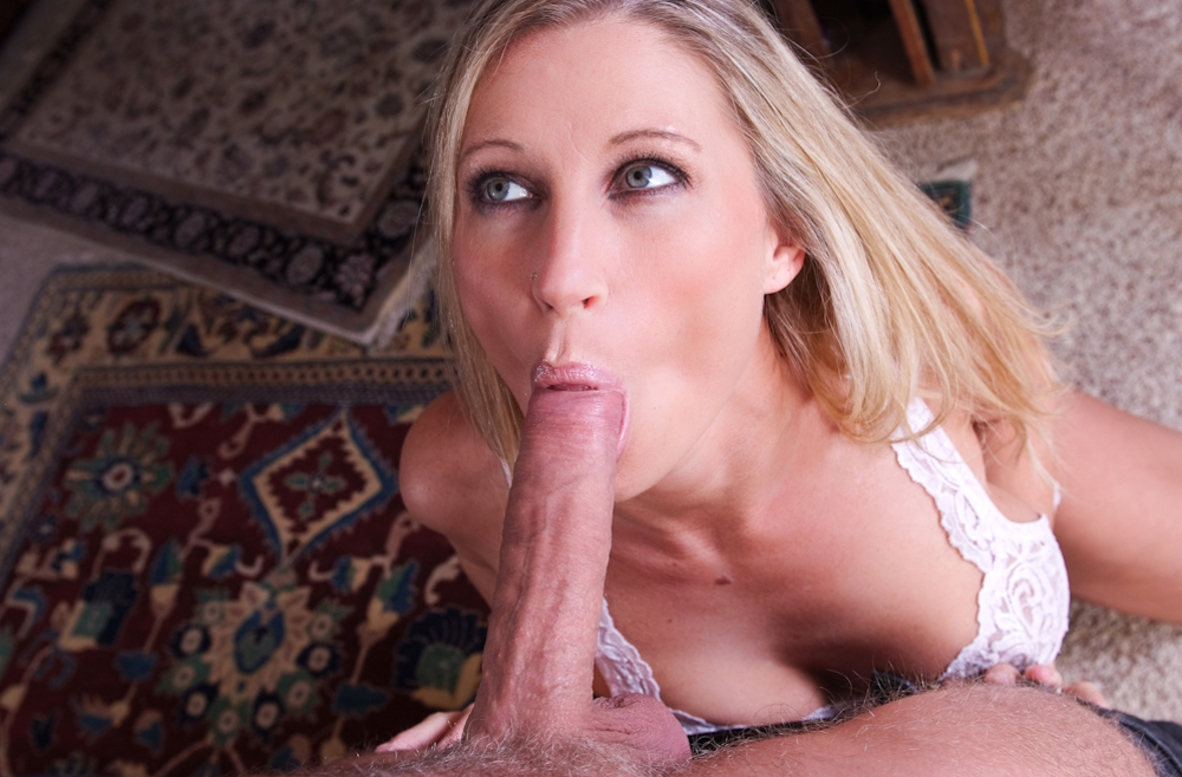 Watch Devon Lee and Danny Wylde video in My Friend's Hot Mom