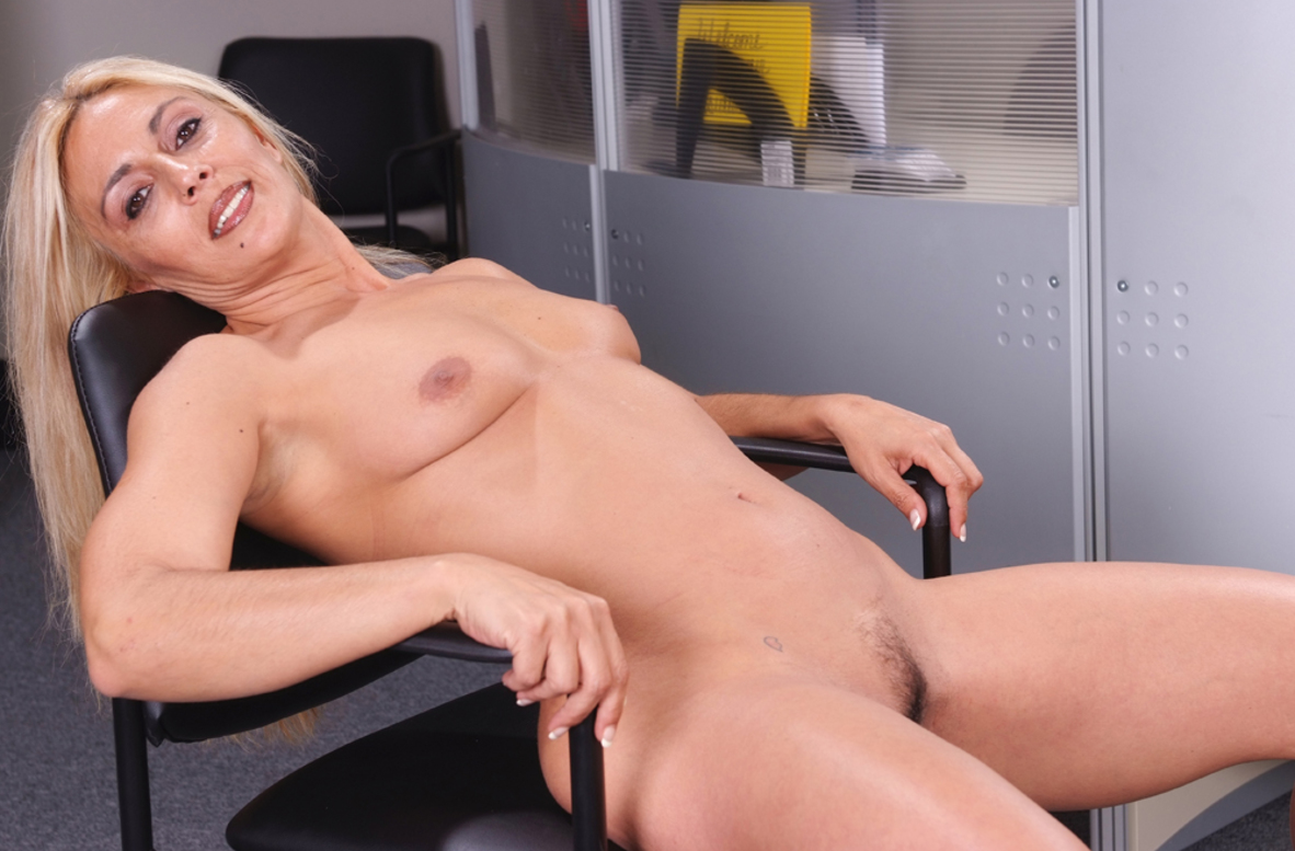 Watch Jazella Moore and Brad Hardy video in My Friend's Hot Mom