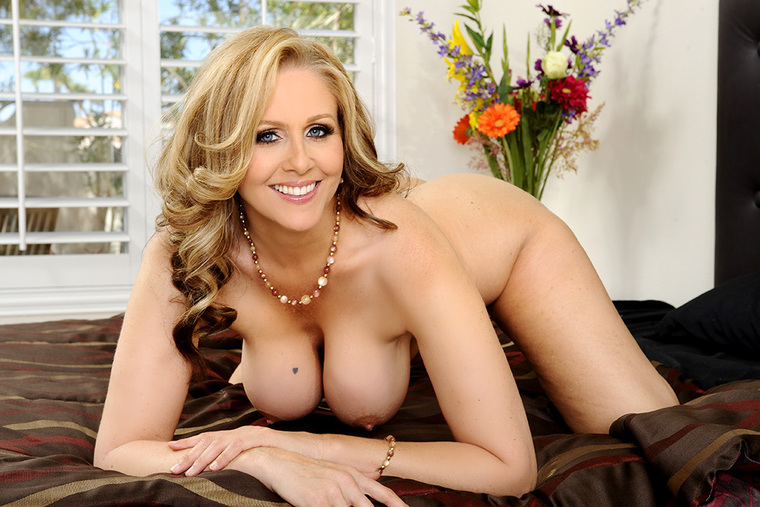 Naughty America Hot Mom Video Download
