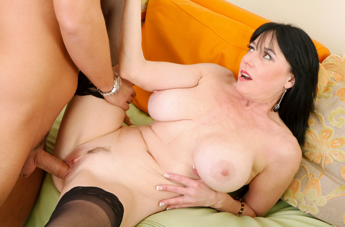 онлайн horny her порно mom fucks