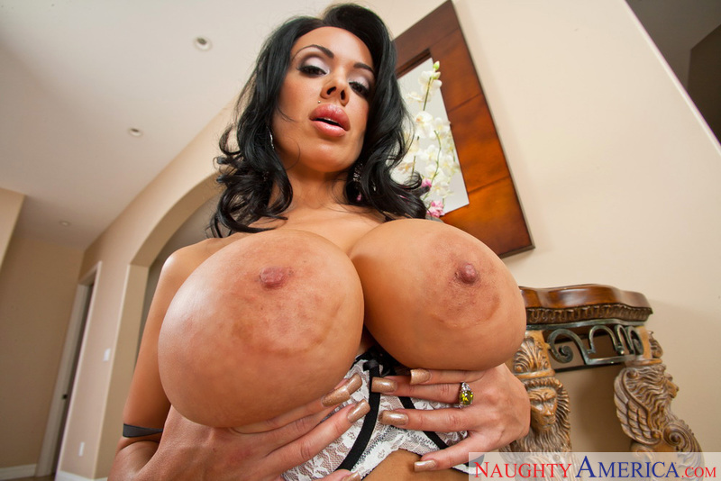 Massive tits mom-3432