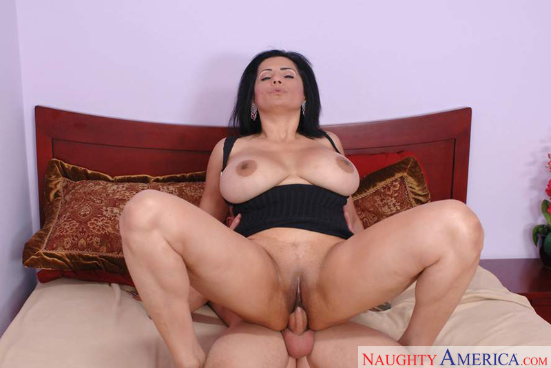 40 mom laurie la vaughn and her bbc friend - 1 1