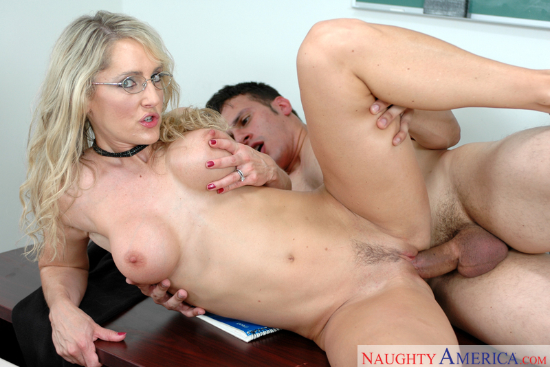 Blonde Lori Lust fucking in the classroom with her glasses - Blowjob