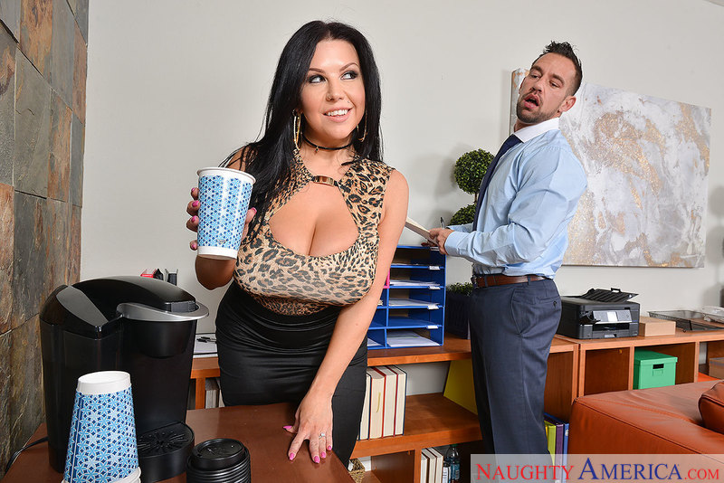 Naughtyamerica – SHERIDAN LOVE & JOHNNY CASTLE Site: Dirty Wives Club