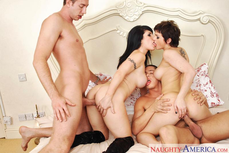 Big dick nude pic