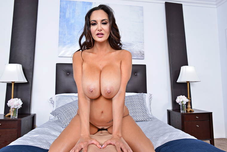 Ava Addams fucking in the bedroom with her tits vr porn
