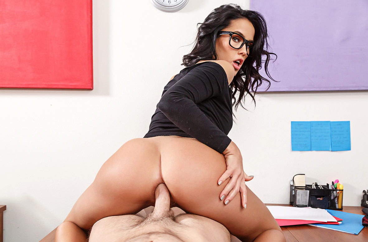 Watch Megan Rain and Seth Gamble VR video in Naughty America