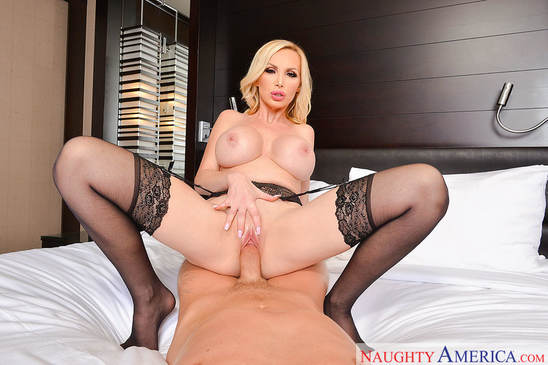 Nikki Benz fucking in the chair with her piercings vr porn - Blowjob