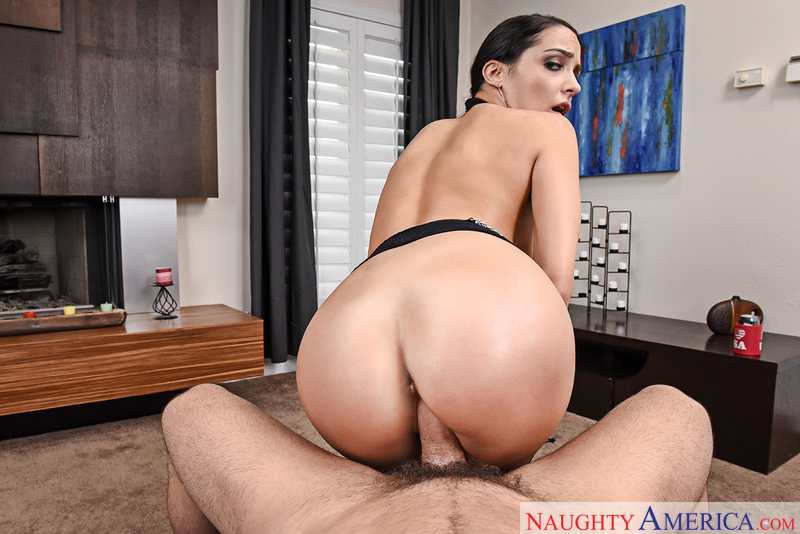 Sofi Ryan fucking in the bedroom with her black hair vr porn - Blowjob