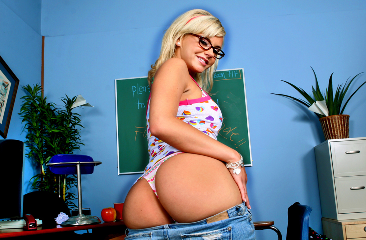 Watch Bree Olson and Tom Byron video in Naughty Bookworms