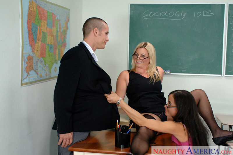 Kala Prettyman fucking in the classroom with her big ass - Sex Position 1