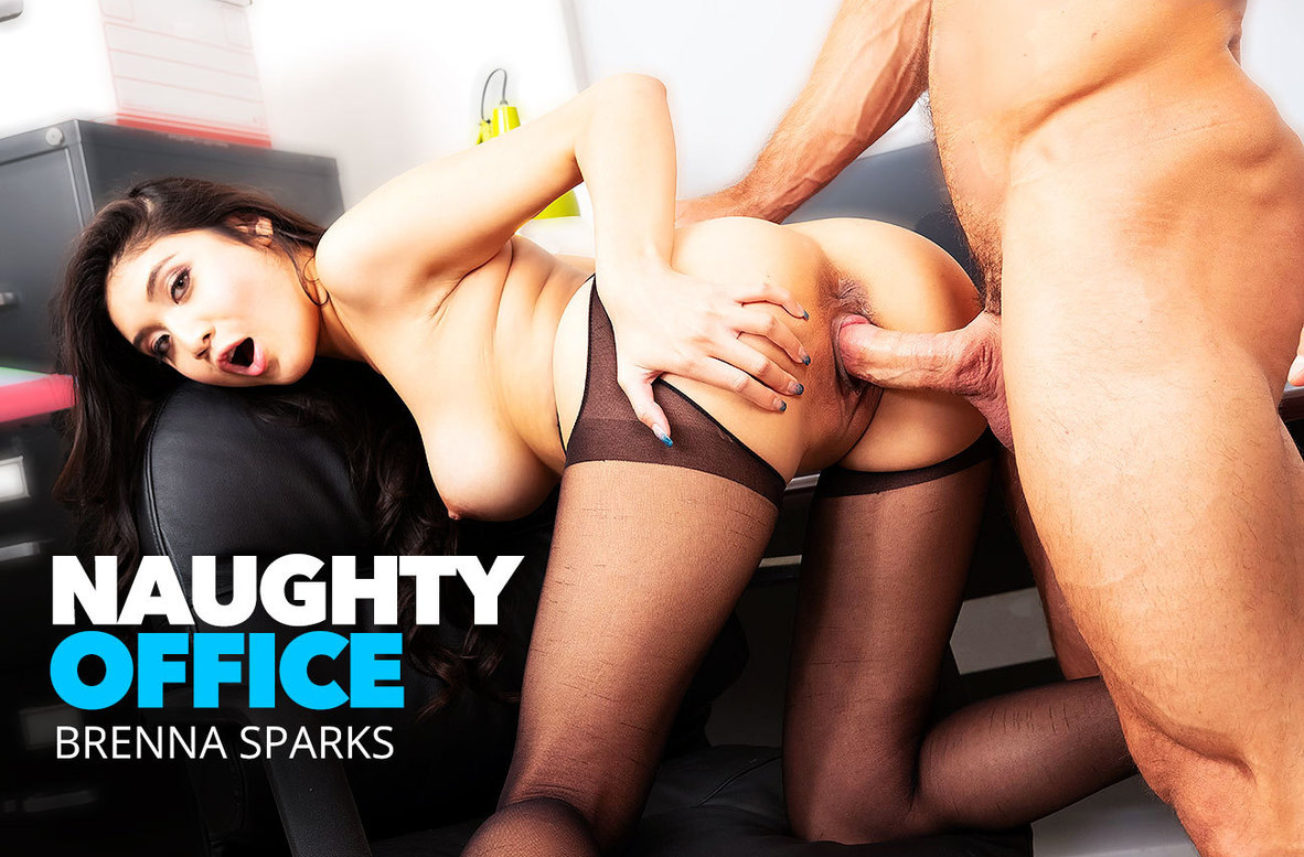 Watch Brenna Sparks and Johnny Castle 4K video in Naughty Office