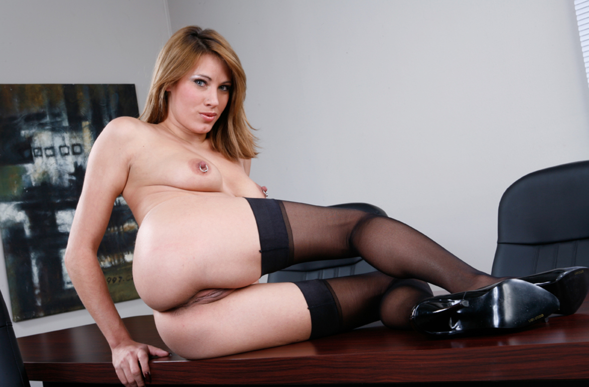 Watch Olivia Alize and Charles Dera video in Naughty Office